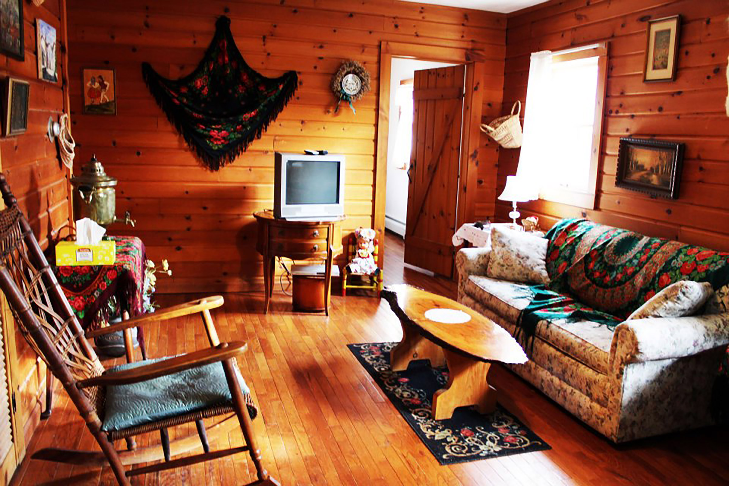 Log Bedroom Suites Ithaca Bb Log Country Inn About Us